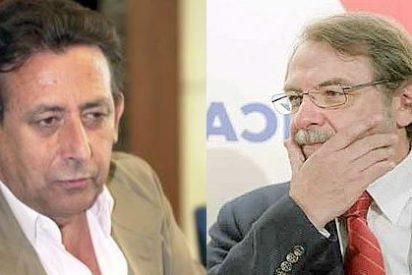 Alfonso Ussía le recuerda a Cebrián que El País despreció a Mingote