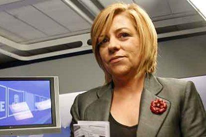Elena Valenciano reprende a Rajoy por gobernar sin pedir permiso