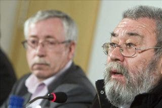 UGT y CCOO salen a hacer el paripé de proletarios en la calle, apoyados por el PSOE