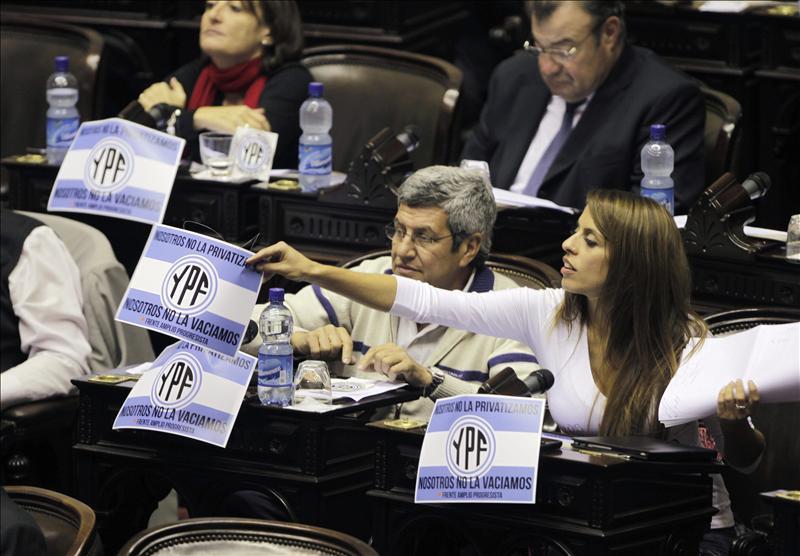 Argentina, a un paso de expropiar a YPF en medio de la polémica sobre energía