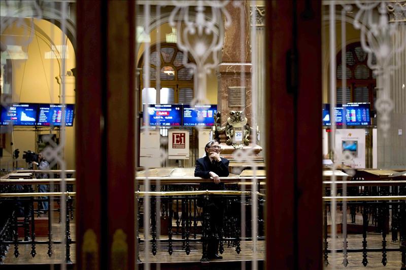 La Bolsa española rebota en la apertura y el IBEX sube el 0,54 por ciento