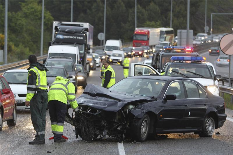 El puente de mayo concluye con 19 muertos en 17 accidentes de tráfico