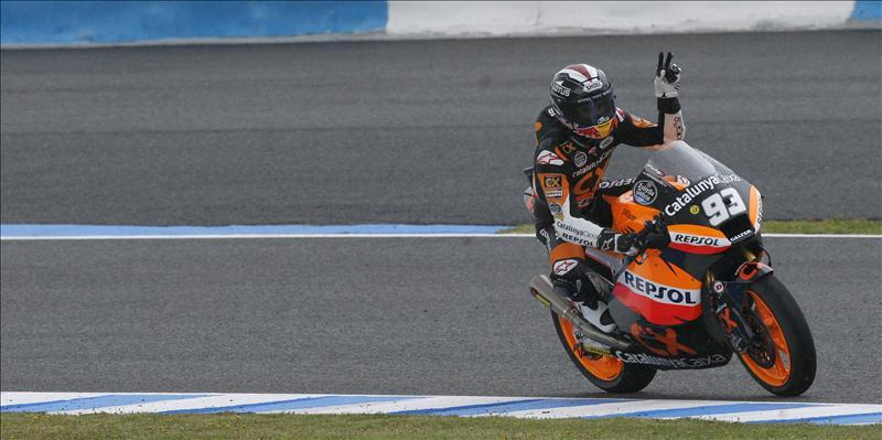 Márquez y Fenati, en Moto2 y Moto3, mandan pero sus rivales no les quitan ojo