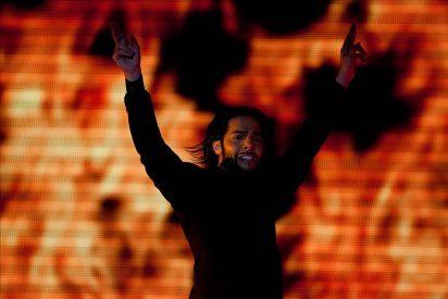 Joaquín Cortés baila al aire libre en una abarrotada plaza del centro caraqueño