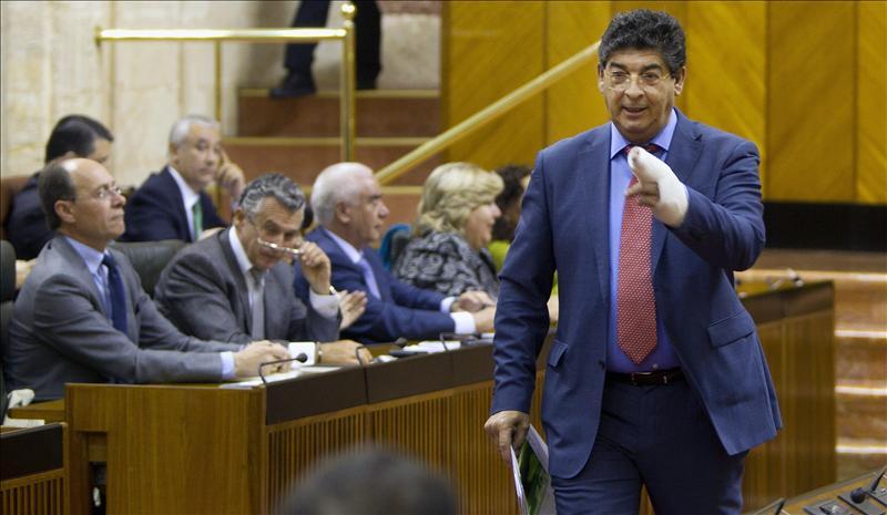 """Valderas cree un """"acto de coherencia"""" no aplicar la reforma laboral en la Junta"""