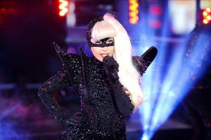 Una taza de Lady Gaga subastada por 75.000 dólares para las víctimas del tsunami