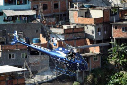 Mueren ocho personas al caer un helicóptero policial en Brasil