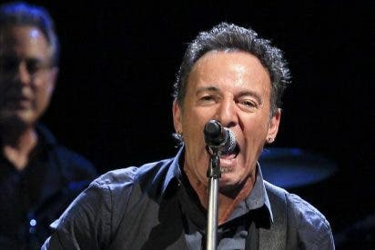 """Springsteen llega a Europa en plena forma y hace un guiño a los """"indignados"""""""