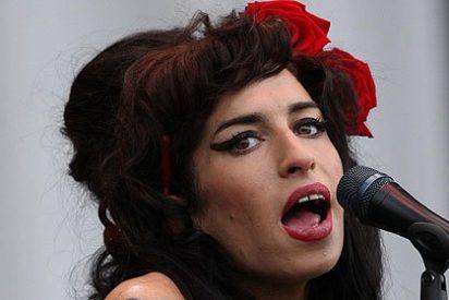Venden un cuadro que la fallecida Amy Winehouse pintó con su sangre