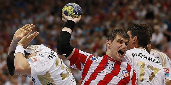 El Atlético de Madrid lucha a lo 'macho' pero cae ante el Kiel en la final