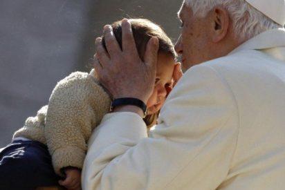 Benedicto XVI llama a proteger de la crisis a los más desfavorecidos
