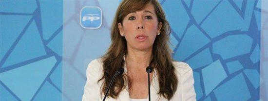 Sánchez Camacho imita al PSC y se enfunda la 'senyera'