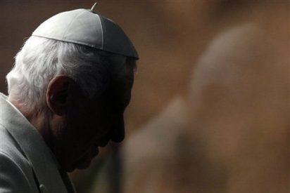 """El Vaticano descarta una posible renuncia del Papa por el """"Vatileaks"""""""