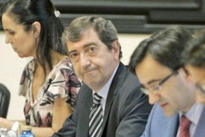 El PP gallego se niega a entregar la cabeza del Defensor del Pueblo