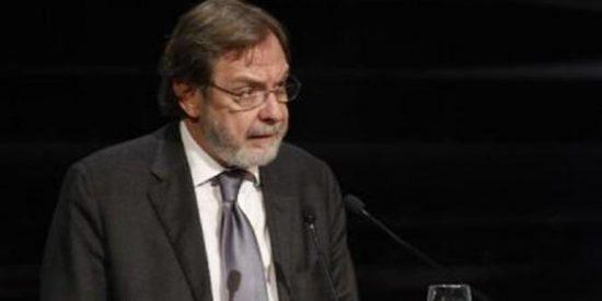 Cebrián lamenta que no se reconozca el esfuerzo de informar a los ciudadanos en la entrega de los Premios Ortega y Gasset