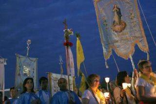 Más de 300.000 peregrinos acuden a Fátima
