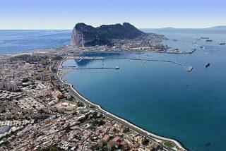La Royal Gibraltar y la Guardia Civil se enfrentan en aguas de Algeciras