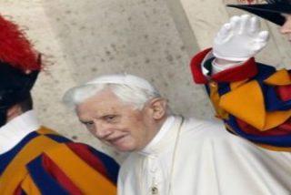 """El Papa invita a sus guardias suizos a """"crecer en la amistad con Cristo y amar cada vez más a la Iglesia"""""""