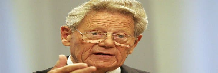 "Hans Küng: ""Crisis del sistema, el Papa ha perdido el control"""