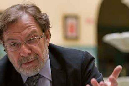 Cebrián resucita ahora a El País, después de decir que había muerto