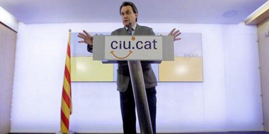Mas renuncia a hablar en catalán para mostrar su cara más 'cosmopolita'