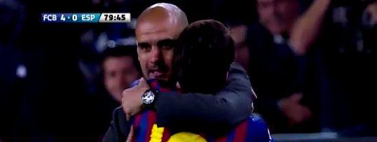 """'El País', en un sinvivir por Pep: """"Valdés, Iniesta, Xavi y sobre todo Messi, le llenaron el móvil de SMS para que se quedara"""""""