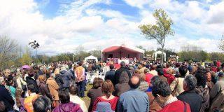 Cientos de fieles agradecen a Rouco que autorice un templo en Prado Nuevo
