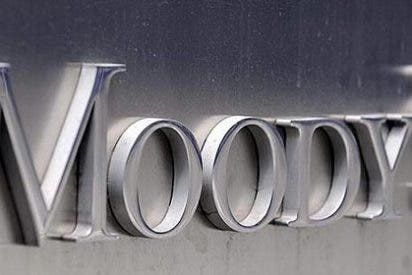 Moody's rebaja el rating de 16 bancos españoles