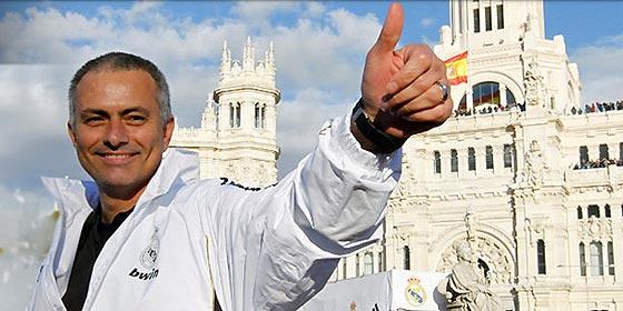 Mourinho renueva como entrenador del Real Madrid hasta 2016