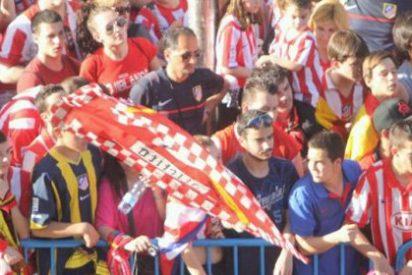 Las plazas españolas son para celebraciones futboleras, no para indignarse