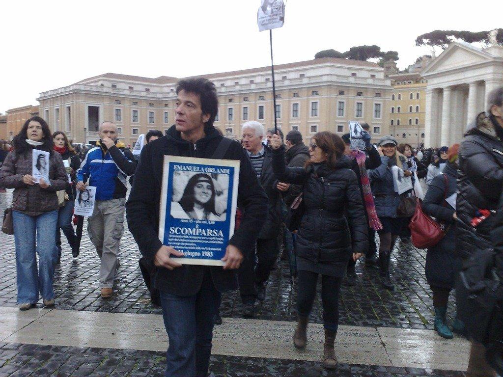 El Vaticano abrirá dos tumbas del cementerio teutónico para buscar a Emanuela Orlandi