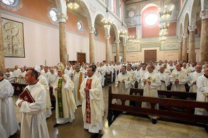 """Osoro: """" Se necesitan sacerdotes con un amor entrañable a la Iglesia"""""""
