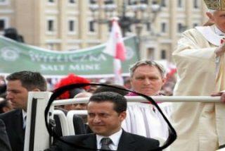 El Vaticano acusa formalmente al mayordomo del Papa por robar documentos secretos