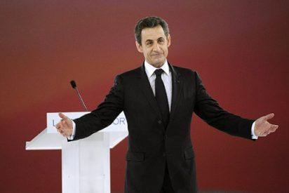 Además de Gadafi, aparecen otros 'amigos' en la campaña de Sarkozy