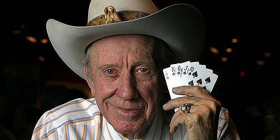 Muere Amarillo Slim, el mejor jugador de póker de la historia