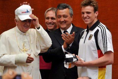 El Papa no se 'moja' en el Italia-Alemania