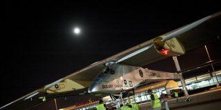 """El avión solar """"Solar Impulse"""" despegó de Barajas hacia Marruecos"""