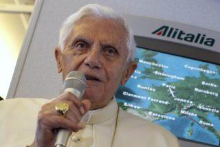 """El papa pide """"una mayor atención"""" a inmigrantes y exiliados en aeropuertos"""