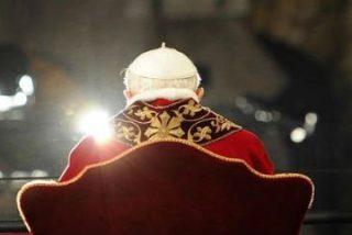 Benedicto XVI, un pastor rodeado de lobos