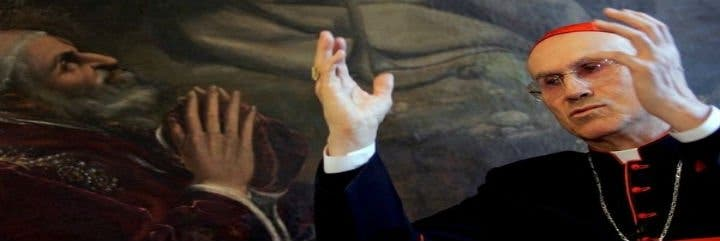 El Secretario de Estado del Vaticano denuncia un intento de desestabilizar la Iglesia