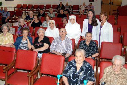 """""""Calor y sol, cuanto menos mejor"""", es el mensaje de enfermeras de atención primaria a los mayores de Talavera"""