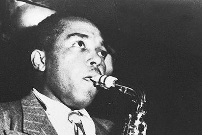 El día que Charlie Parker humilló al gran Gillespie con un saxofón de plástico