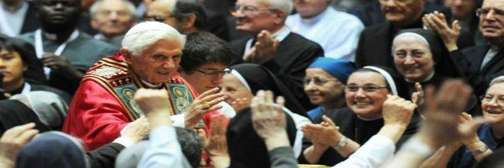 """El Papa, pletórico, defiende el celibato sacerdotal y la virginidad consagrada como """"signos luminosos"""""""