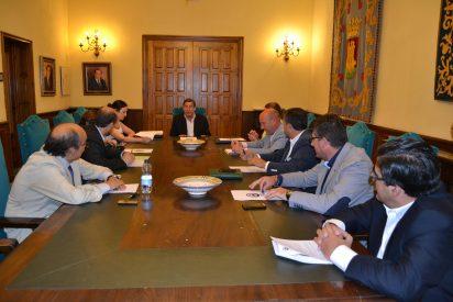 El gobierno local apela a la unidad de los empresarios para lanza de nuevo la actividad en Talavera y salir adelante