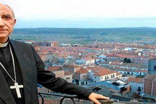 El obispo de Ávila, García Burillo pide destinar la paga extra a Cáritas