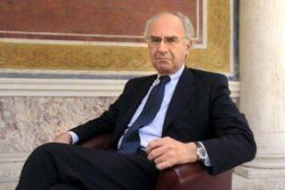 La policía registra la casa del ex-presidente del Banco Vaticano