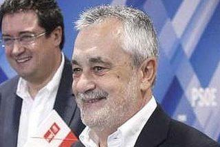 Aguirre recorta a la mitad los diputados y Griñán los aumenta en 58