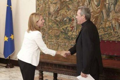 Obispo de Bilbao entrega al Parlamento propuestas anti crisis