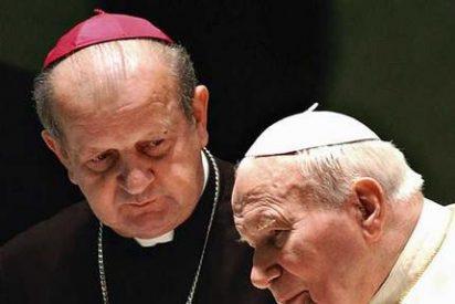 Dziwisz asegura que Juan Pablo II ayudó a Polonia en la Eurocopa