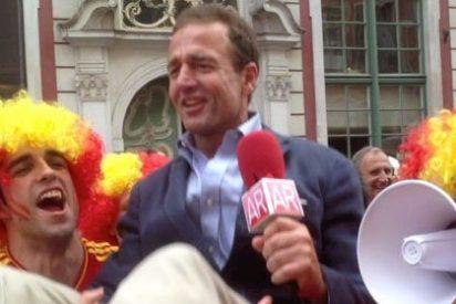 Los aficionados españoles en Polonia ejercen de campeones del Mundo y llevan la fiesta a Gdansk